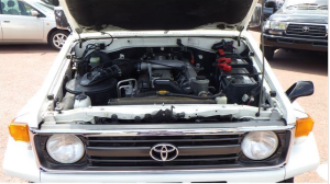 1997-toyota-land-cruiser-hzj73-2-2-diesel-hzj73v-for-sale-in-japan-200k-2
