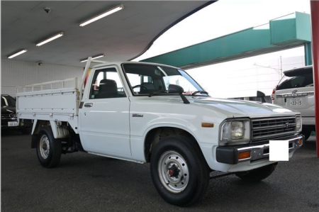 1983-toyota-hilux-1-ton-rn45-1-6-mt-for-sale-in-japan-65k-1
