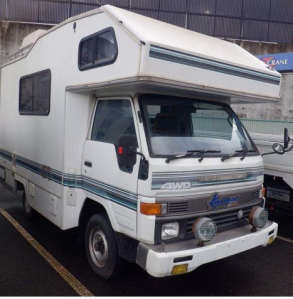 1993 toyota hiace truck trucks camper camping lh85 lh 85 2.5 manual diesel for sale in japan