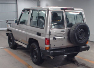 2004-toyota-land-cruiser-hzj71-4-2-diesel-mt-for-sale-in-japan-229k-1