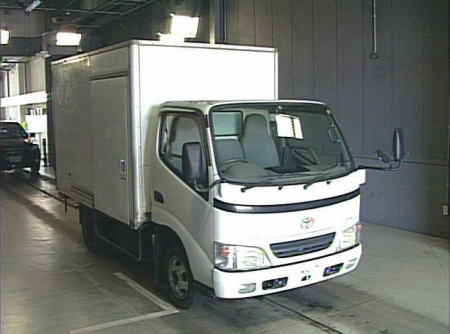 2001 toyota dyna box truck 3.0 diesel ly230 for sale in japan 4.9k