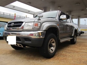 2002 nov toyota hilux sports pickup truck 2002 model