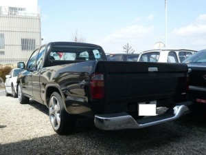 2003 toyota hilux extra cab 105k 2.0 sale japan-1