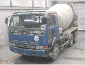 nissan ud cw520concrete mixer truck for sale japan