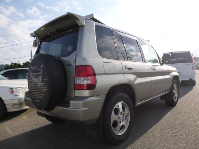2000 mitsubishi pajero io zr At fuly loaded 37,000km around 1800cc